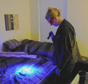 Sheriff using bluelight flashlight