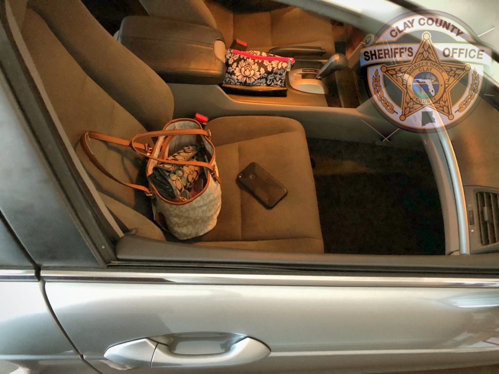 Car with valuables in plain sight
